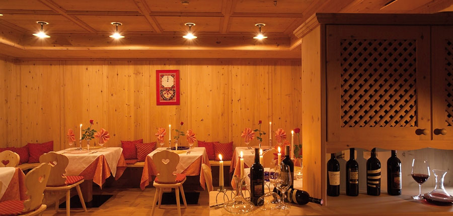 italy_dolomites_colfosco_hotel-mezdi_restaurant.jpg